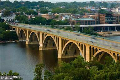 STROLL OR SHUTTLE ACROSS KEY BRIDGE TO GEORGETOWN - 1121 ARLINGTON BLVD #312, ARLINGTON