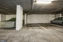 Large parking spot conveys - 888 N QUINCY ST #1701, ARLINGTON