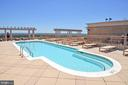 Rooftop pool - 888 N QUINCY ST #1701, ARLINGTON