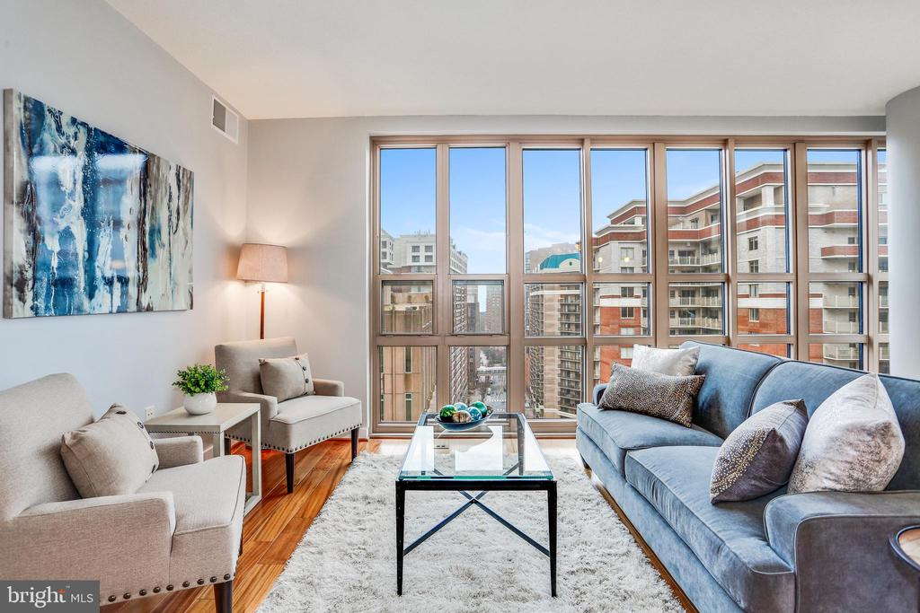 Great views directly down 9th Street - 888 N QUINCY ST #1701, ARLINGTON