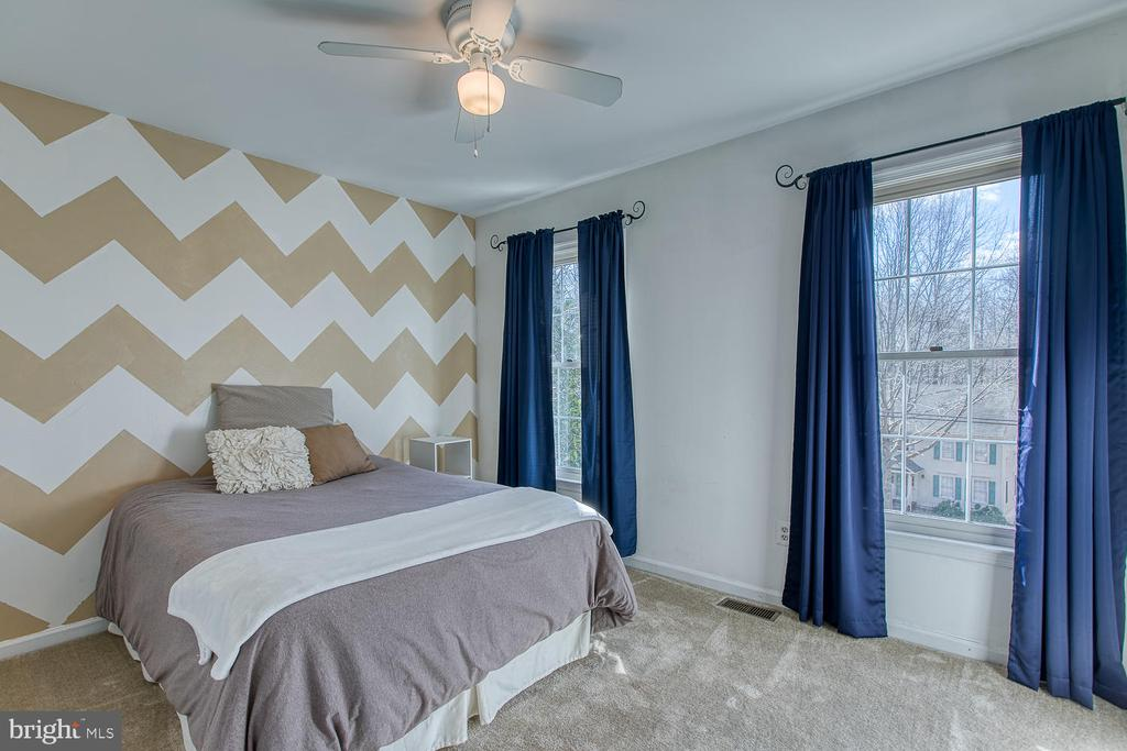 Right front bedroom with new carpet - 3220 TITANIC DR, STAFFORD