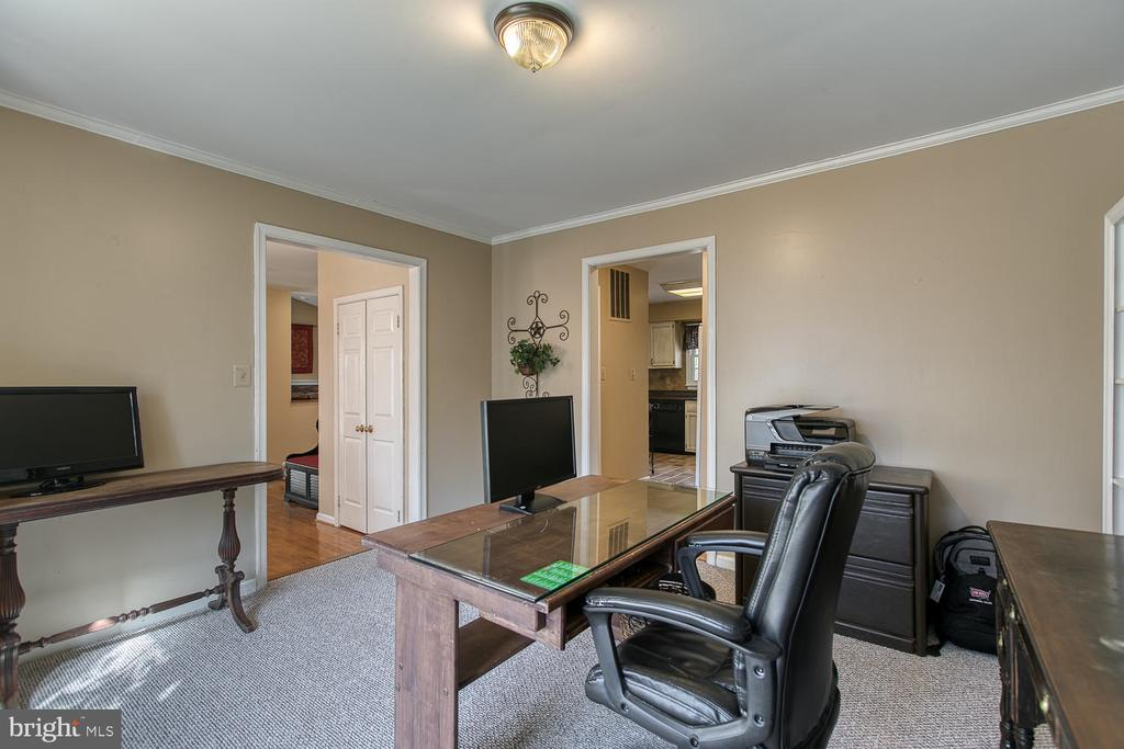 Office view to kitchen and foyer - 3220 TITANIC DR, STAFFORD