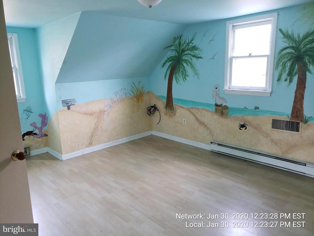 beach theme! upper level bedroom 1 - 85 BARNES BLVD, COLONIAL BEACH