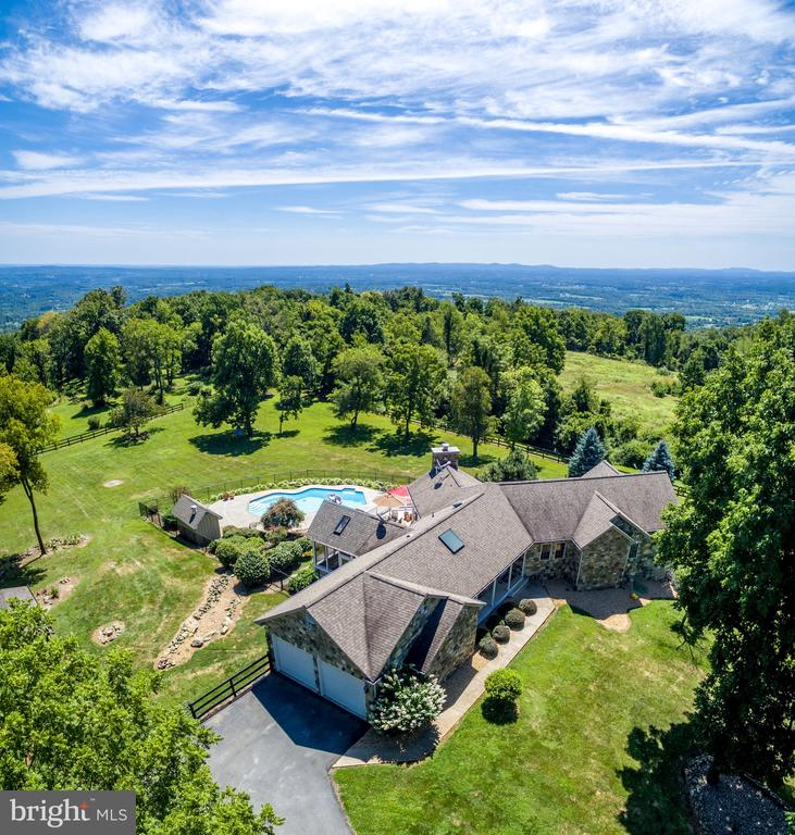 Top of the world views. - 17244 RAVEN ROCKS RD, BLUEMONT