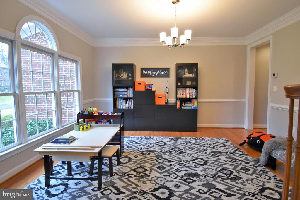 Play room area - 1590 MONTMORENCY DR, VIENNA