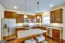 Stainless steel GE appliances, granite countertops - 120 TREE LINE DR, FREDERICKSBURG