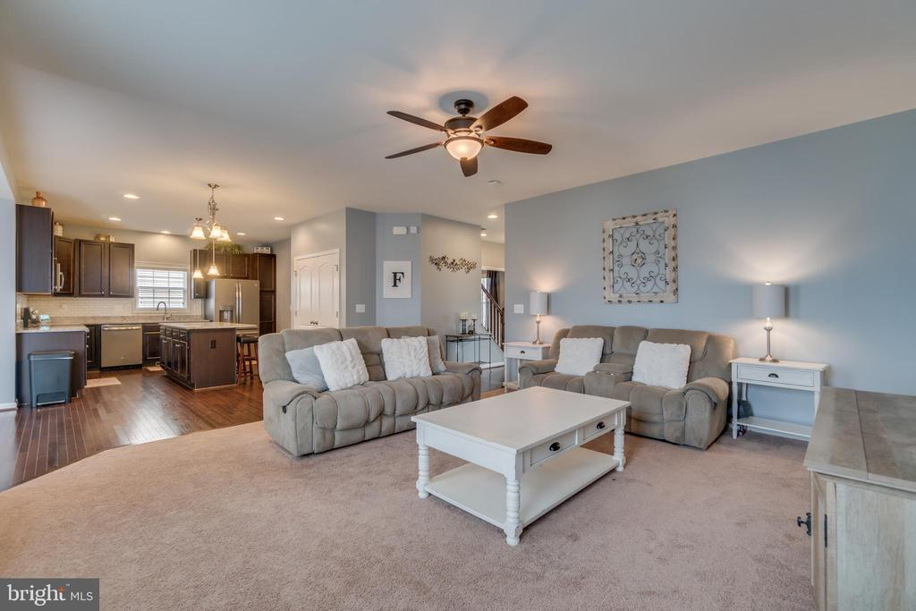 Family Room Opens to Kitchen - 137 GARDENIA DR, STAFFORD