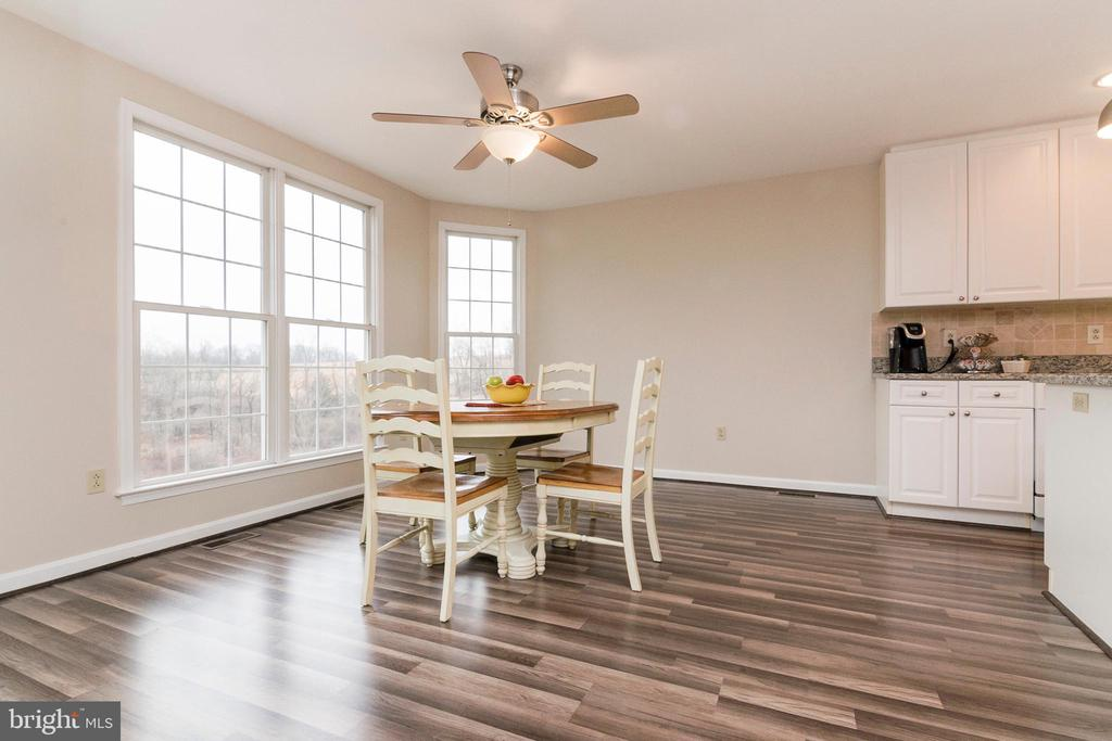 Kitchen Table Space - 7170 WANDA DR, MOUNT AIRY