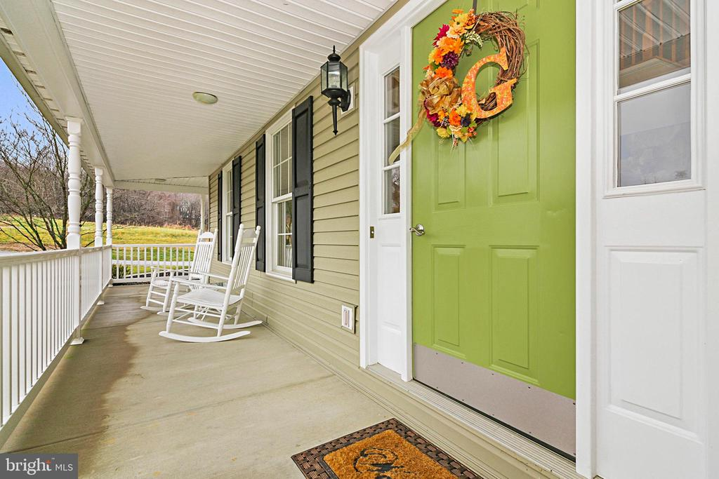 Welcome Home! - 7170 WANDA DR, MOUNT AIRY