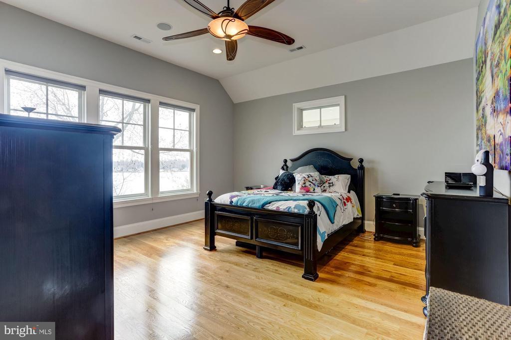 2nd Floor Guestroom #2 - 203 CAPE SAINT JOHN RD, ANNAPOLIS