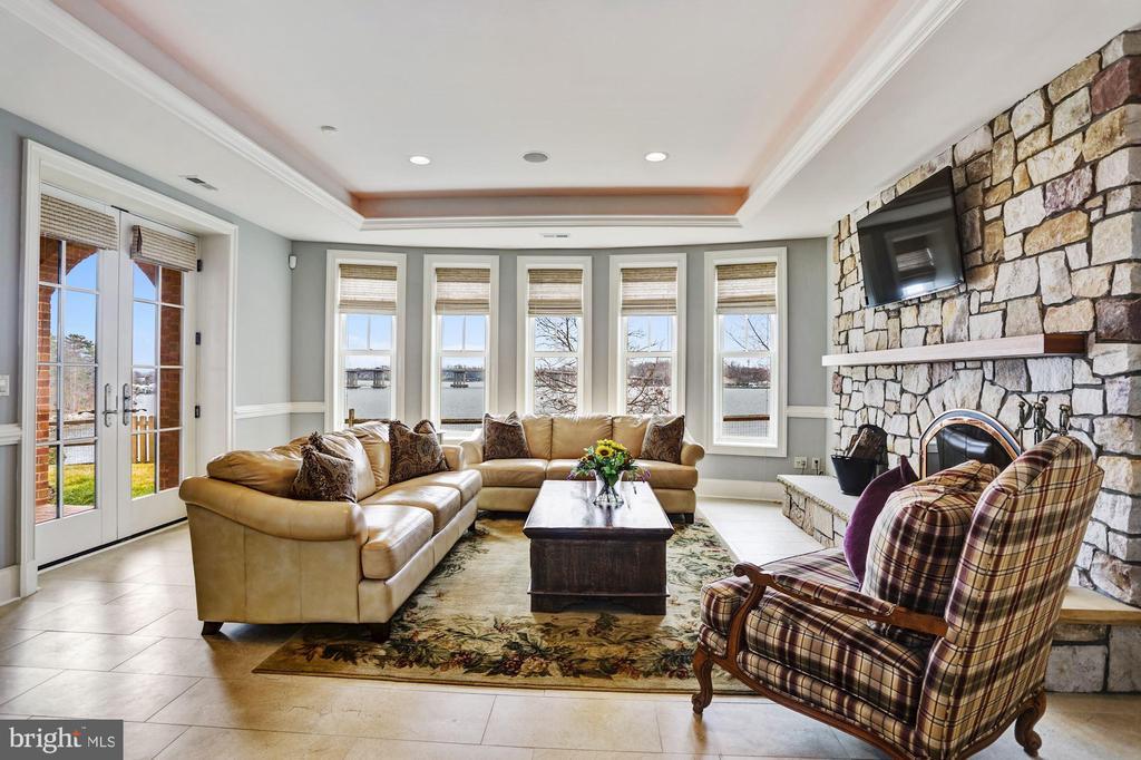 Basement entertainment room with South River view - 203 CAPE SAINT JOHN RD, ANNAPOLIS