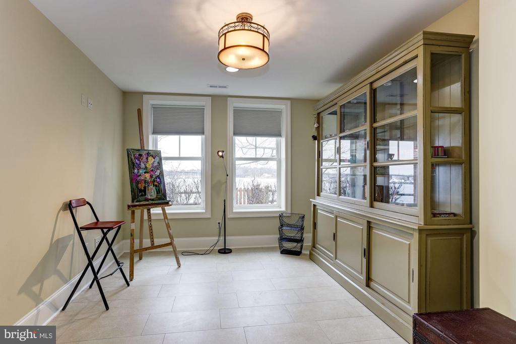Basement guest room - 203 CAPE SAINT JOHN RD, ANNAPOLIS