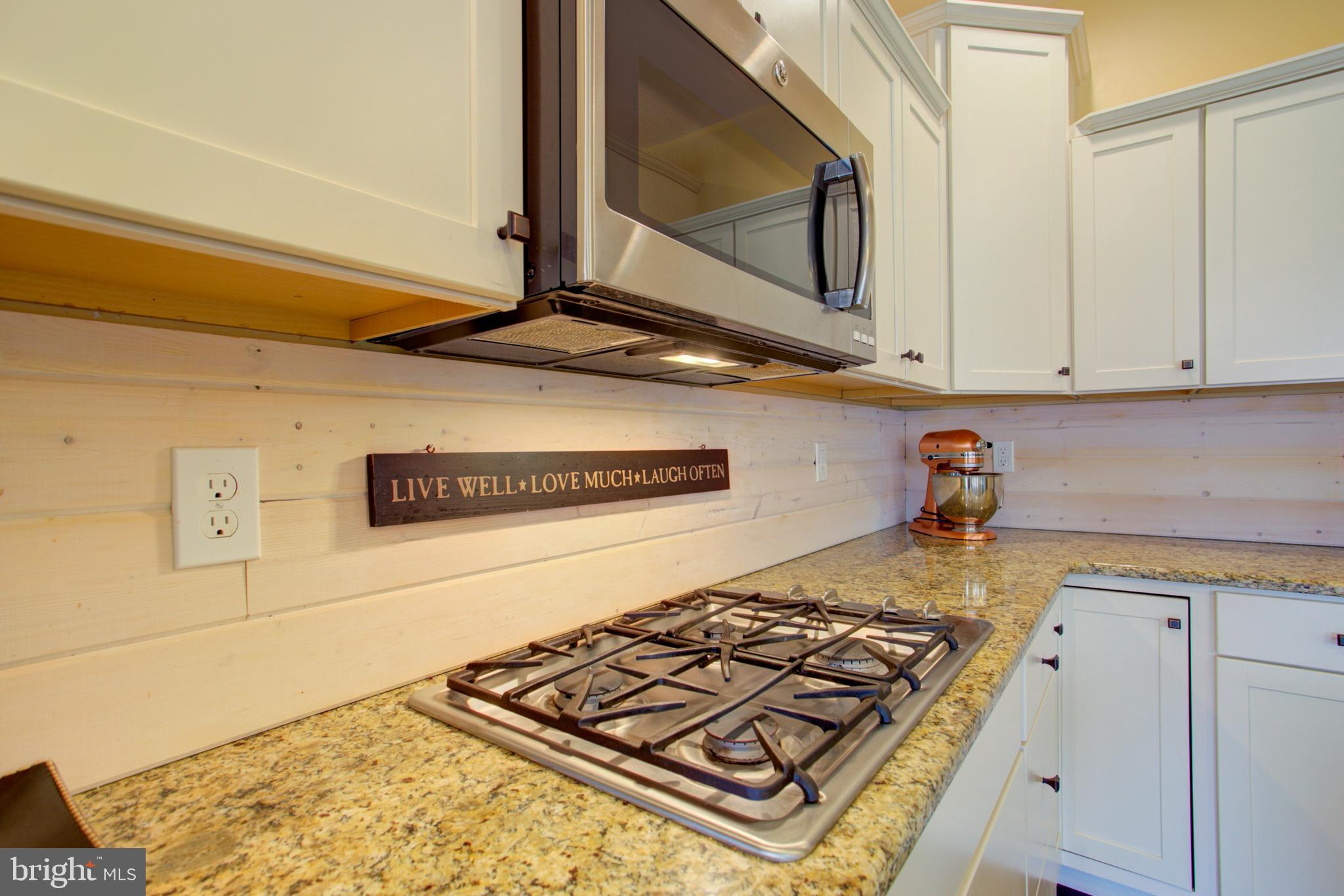 Gas cook top & barn style back splash