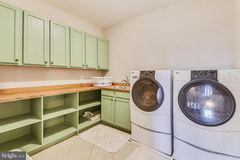 Upper Level Laundry Room - 15730 OLD WATERFORD RD, PAEONIAN SPRINGS
