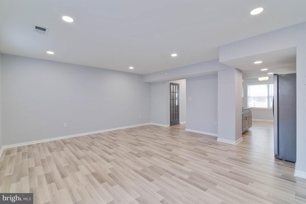 Living Room - 2027 MAYFLOWER DR, WOODBRIDGE
