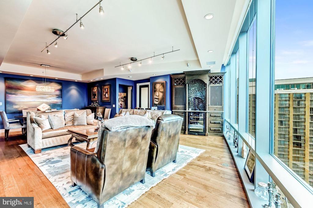 Living Room with Floor to Ceiling Windows - 1881 N NASH ST #1211, ARLINGTON