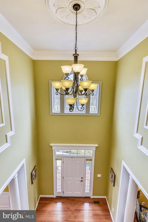 VIEW OF FOYER FROM UPPER LANDING - 8 SNAPDRAGON DR, STAFFORD
