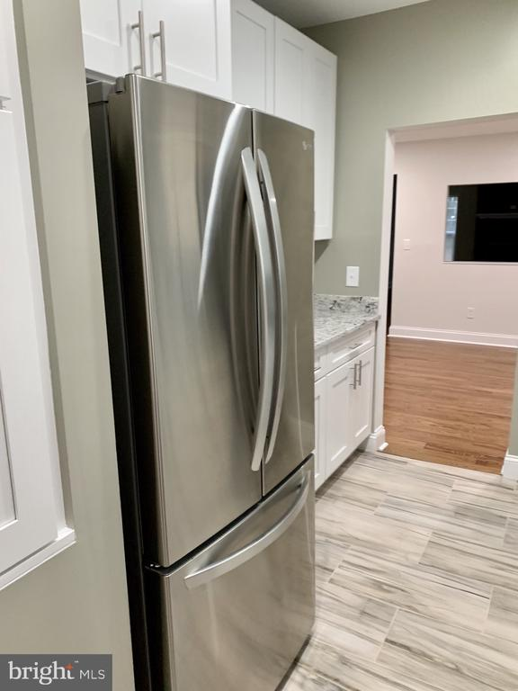 stainless appliances - 7010 ORIOLE AVE, SPRINGFIELD