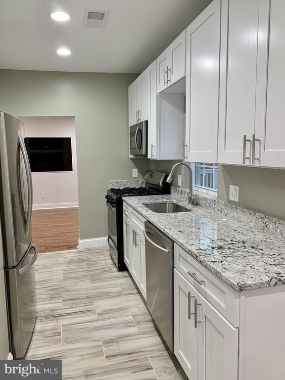 REMODELED kitchen - 7010 ORIOLE AVE, SPRINGFIELD