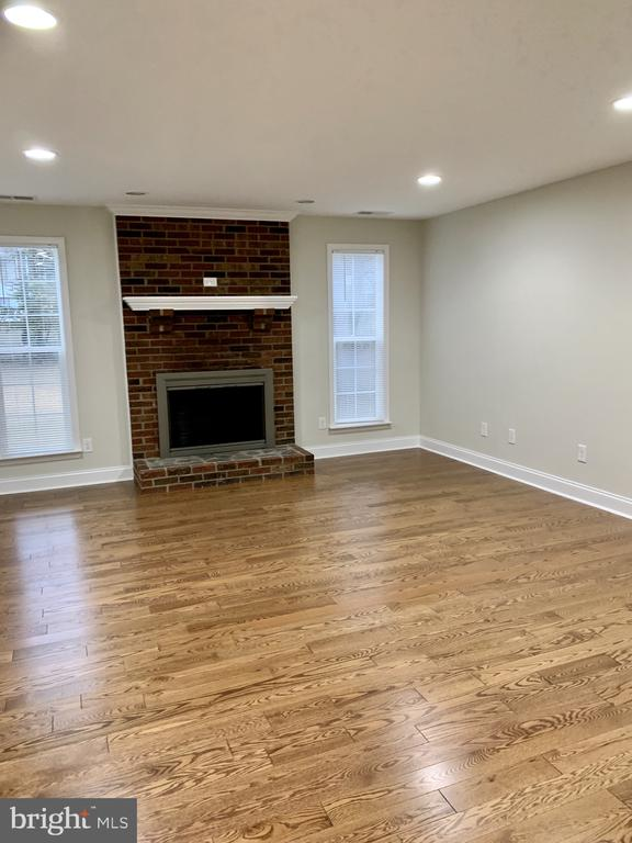 HUGE family room with 2nd fireplace - 7010 ORIOLE AVE, SPRINGFIELD