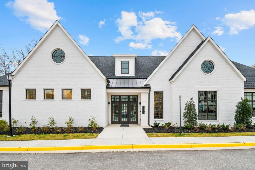 The spectacular Clubhouse at Crest! - 6103 OLIVET DR, ALEXANDRIA