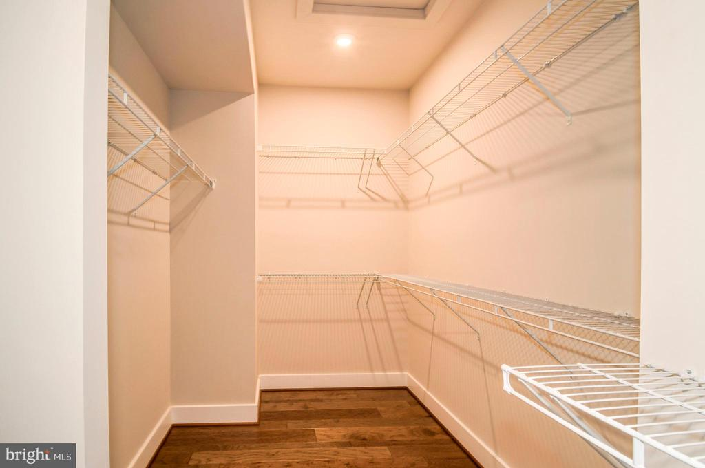 Huge walk-in closet in the master. - 6103 OLIVET DR, ALEXANDRIA