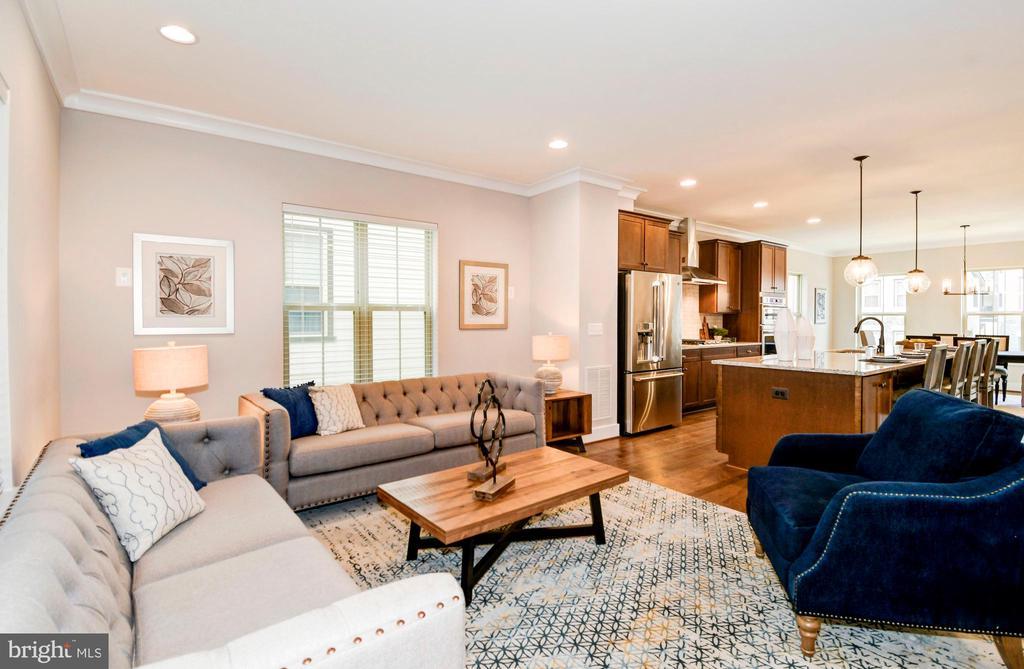 Enjoy the spacious living room. - 6103 OLIVET DR, ALEXANDRIA
