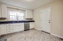 White cabinets are so popular - 806 PAYTON DR, FREDERICKSBURG