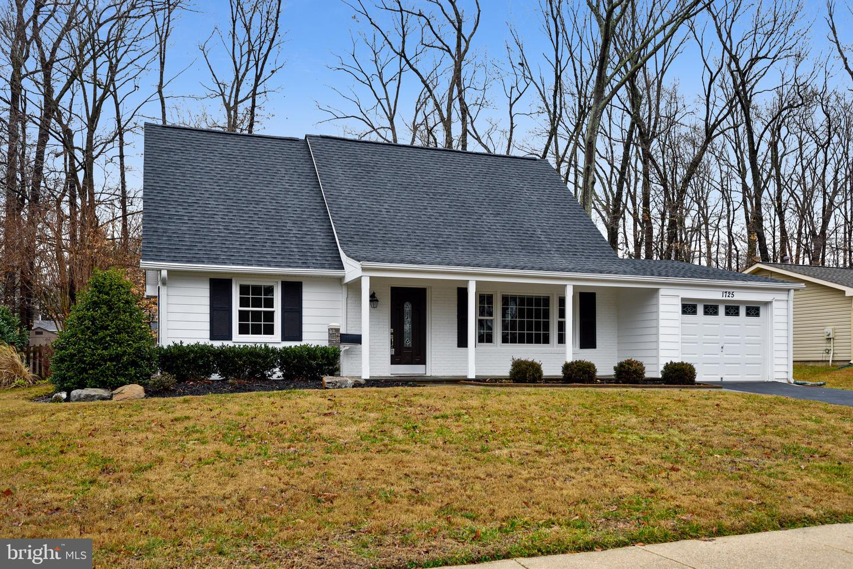 Single Family Homes para Venda às Crofton, Maryland 21114 Estados Unidos