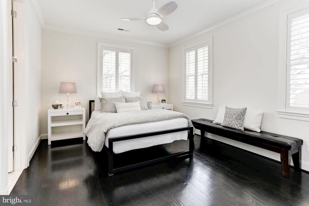 Bedroom Three - 4205 GLENROSE ST, KENSINGTON