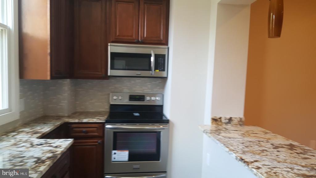 Open Kitchen with Stainless Aplliances - 208 T ST NE, WASHINGTON