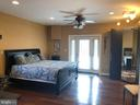 Very large room - 6809 CALVERTON DR, HYATTSVILLE