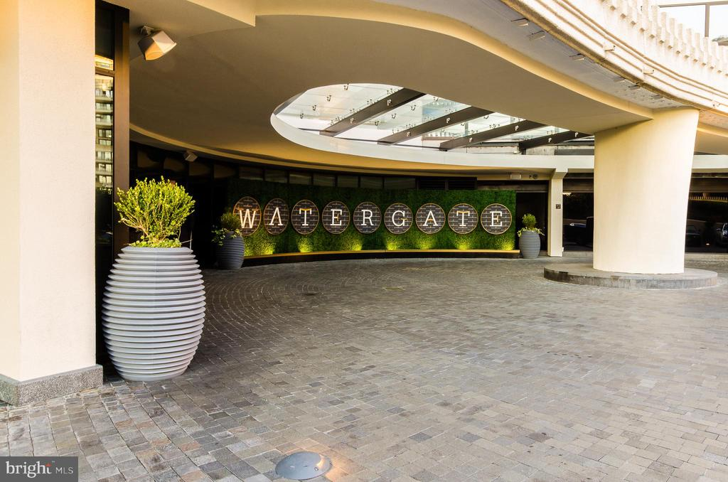 Watergate Hotel entrance - 700 NEW HAMPSHIRE AVE NW #1118, WASHINGTON