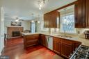 - 7204 WOODS EDGE CT, WARRENTON