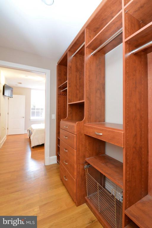 Lots of Closet Space - 215 I ST NE #1A, WASHINGTON