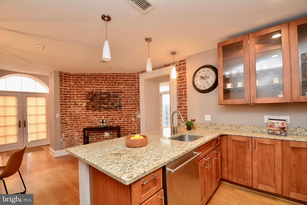 Exposed Brick Wall - 215 I ST NE #1A, WASHINGTON