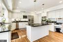 Beautiful kitchen - 13701 ESWORTHY RD, GERMANTOWN