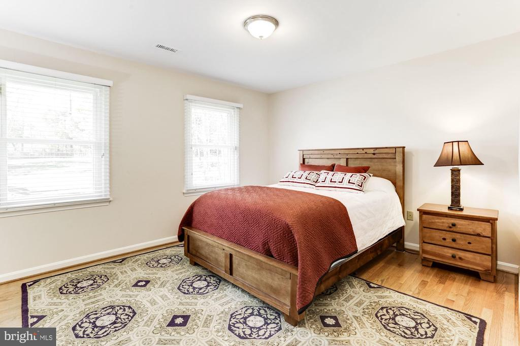 Bedroom 2 - 13701 ESWORTHY RD, GERMANTOWN