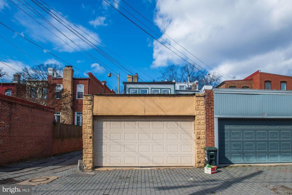 A two car garage! - 226 8TH ST SE, WASHINGTON