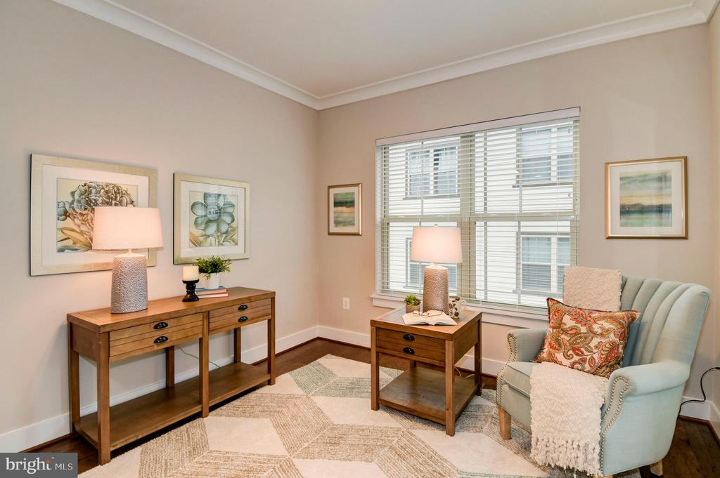 The study by the living room offers a quiet niche. - 6103 OLIVET DR, ALEXANDRIA