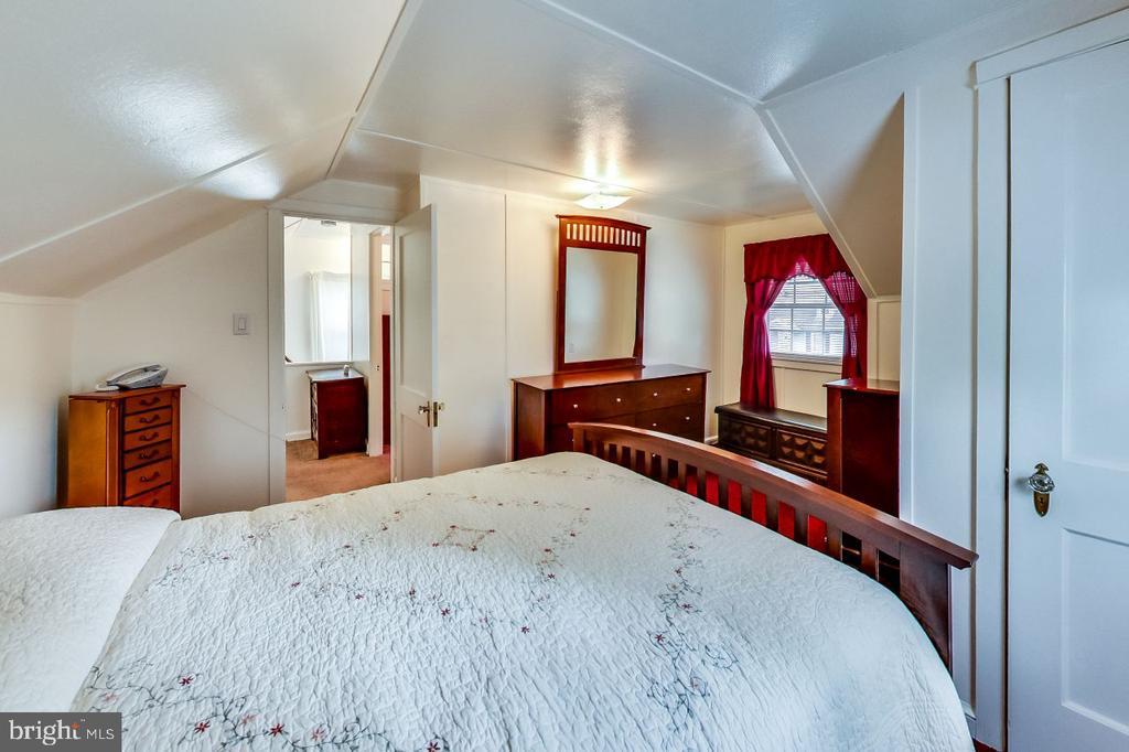 Master Bedroom - 3404 WEBSTER ST, BRENTWOOD