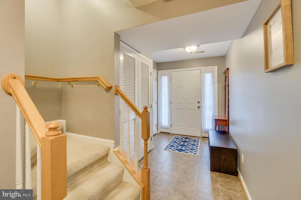 Foyer Entrance - 2573 SYLVAN MOOR LN, WOODBRIDGE