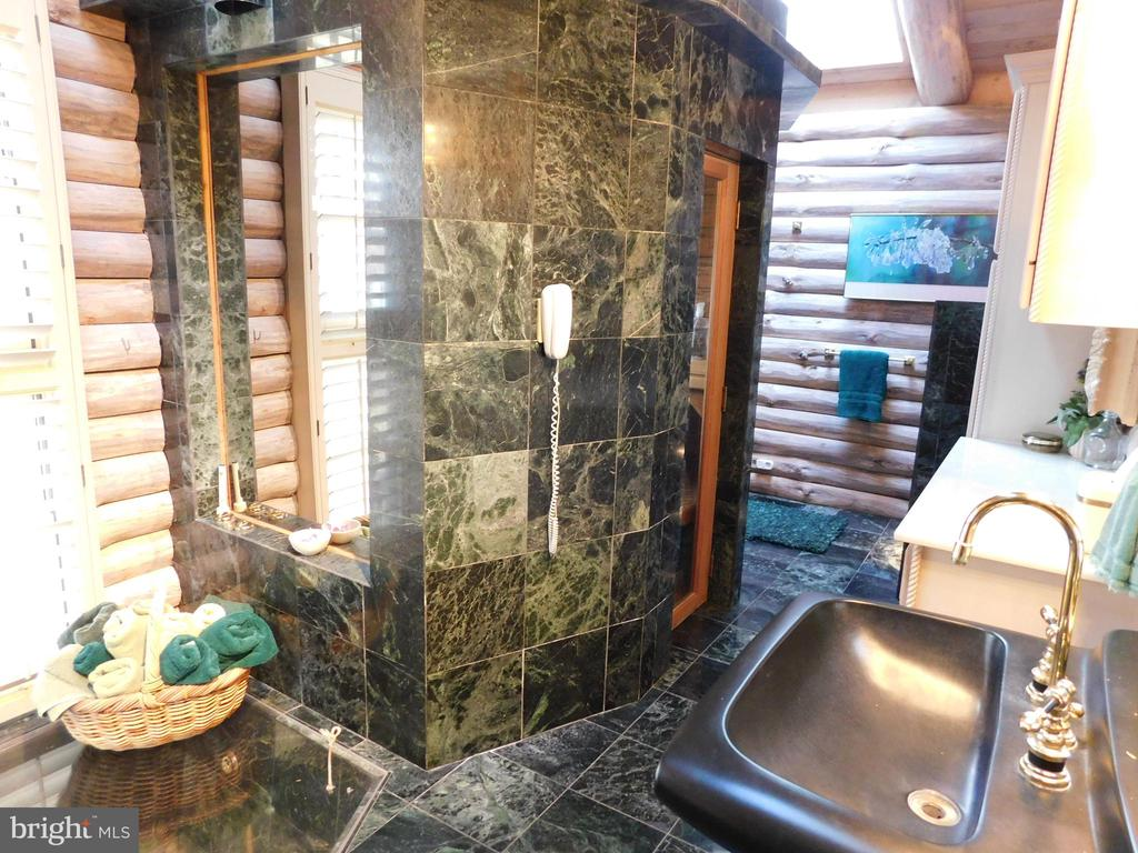Master Bathroom Spa: Sauna - 11713 WAYNE LN, BUMPASS