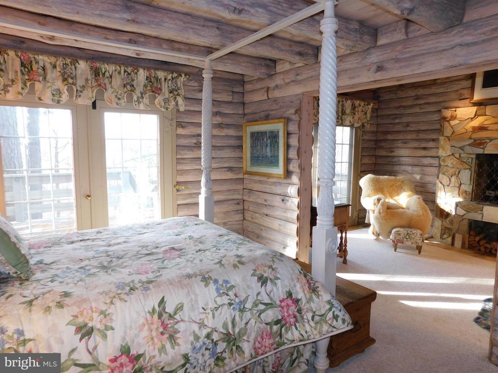 Master Bedroom Suite with Sitting Room - 11713 WAYNE LN, BUMPASS