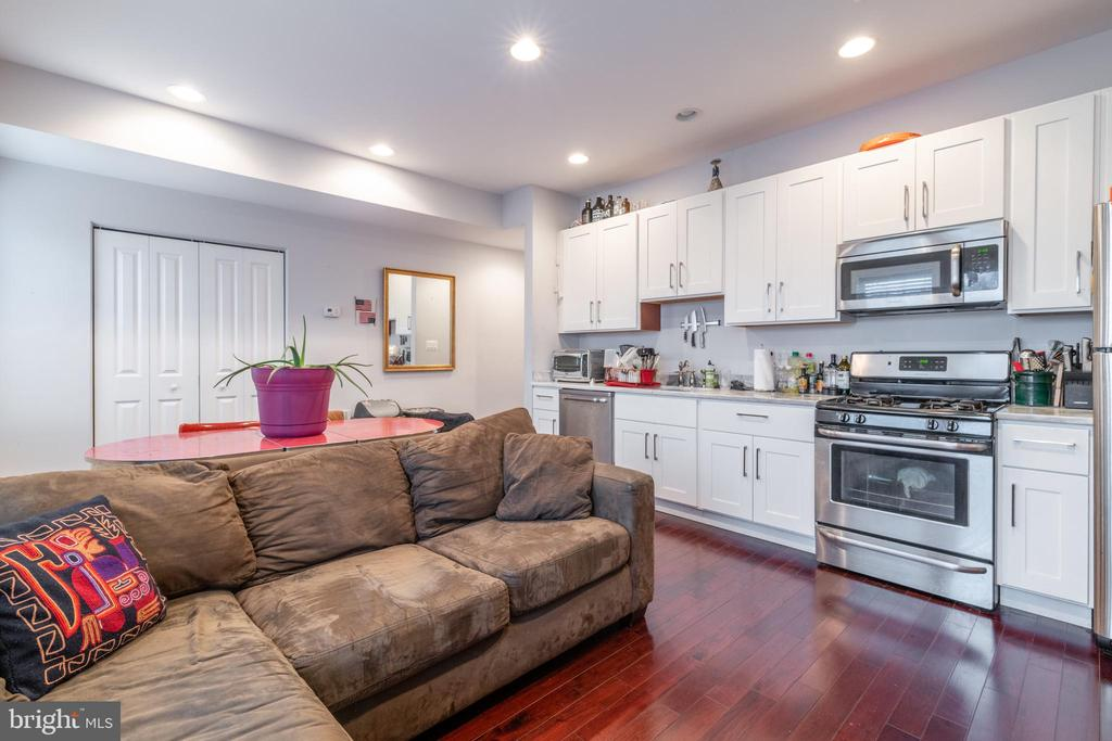 Unit 2: Living Room/Kitchen - 725 HOBART PL NW, WASHINGTON