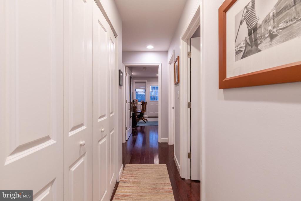 Unit 1: Hallway - 725 HOBART PL NW, WASHINGTON