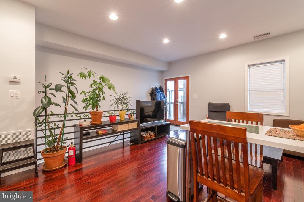 Unit 3: Living Room - 725 HOBART PL NW, WASHINGTON
