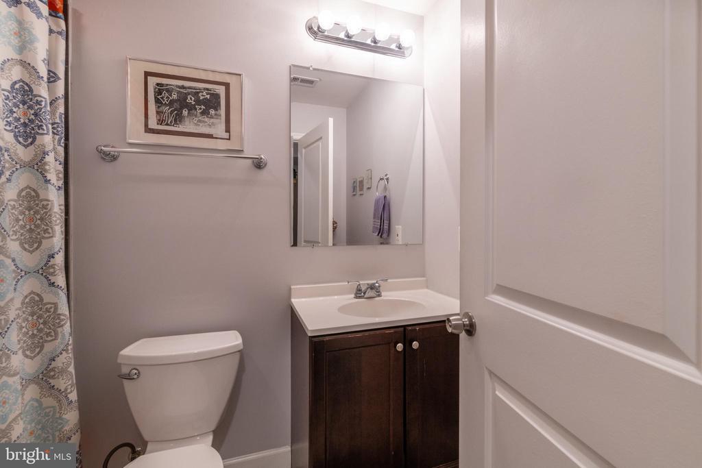 Unit 1: Bathroom - 725 HOBART PL NW, WASHINGTON