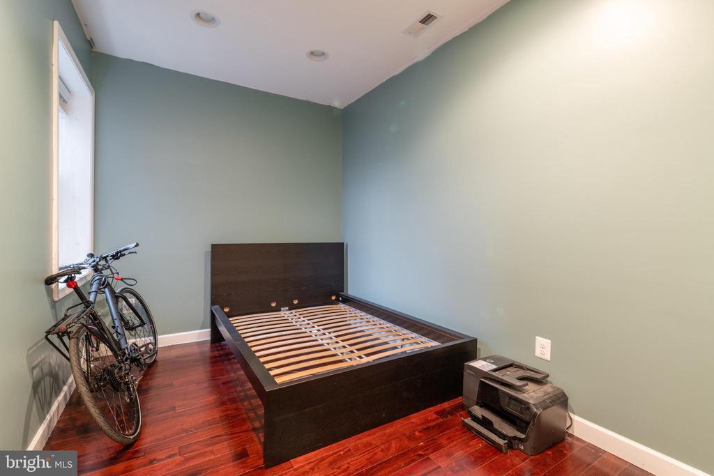 Unit 2: Bedroom 2 - 725 HOBART PL NW, WASHINGTON