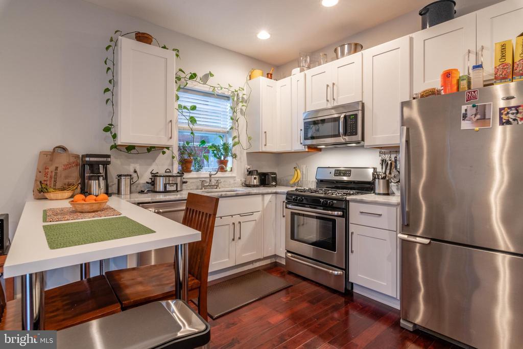 Unit 3: Kitchen - 725 HOBART PL NW, WASHINGTON